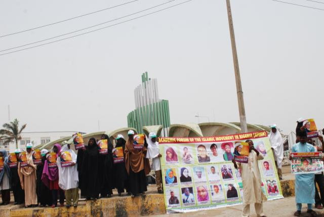 Protesting Shiites Demand Release Of Members' Corpses Killed By Nigerian Army