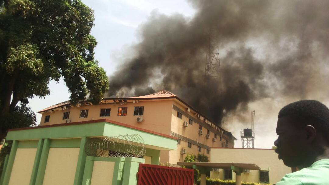 Nigeria: Kaduna Electoral Commission Head Office On Fire