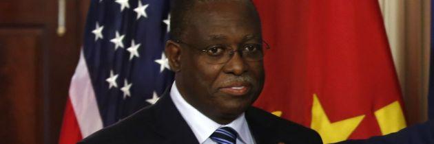 Angola – Il Portogallo indaga il vicepresidente Manuel Vicente