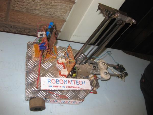 Robot del Instituto de Formación Técnica de Nairobi