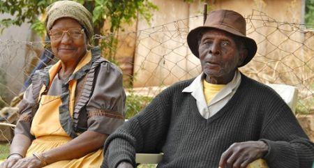 deux-camerounaises-lancent-un-service-de-sante-mobile-pour-personnes-agees
