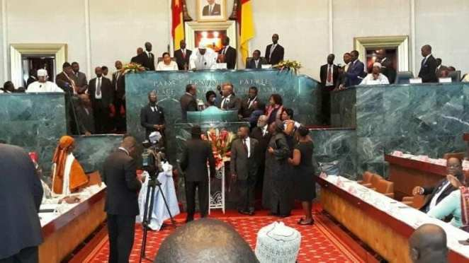 Cameroon: SDF deputies snatch microphone from the hands of the prime minister