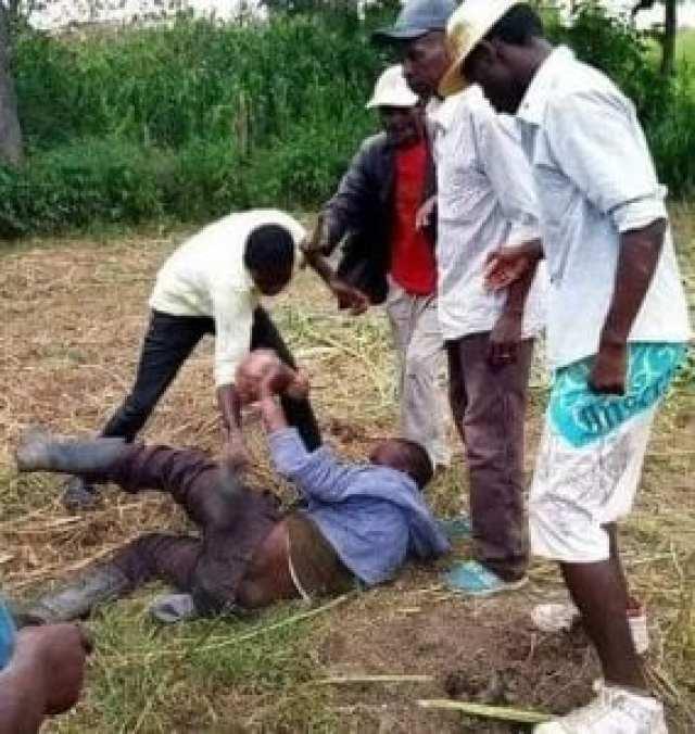 «Je couche avec les vaches parce que les filles peuvent me transmettre le VIH», dixit un Kényan (photo)