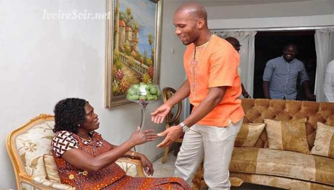 Ivory Coast: Drogba visits former First Lady Simone Gbagbo