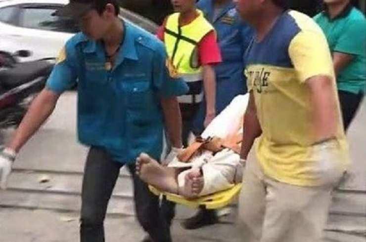 Thaïlande: il meurt électrocuté en chargeant son téléphone et les écouteurs dans les oreilles