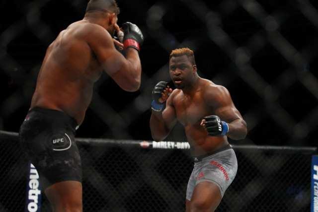 Francis Ngannou / De creuseur de sable à champion du Monde de l'UFC: découvrez son parcours impressionnant