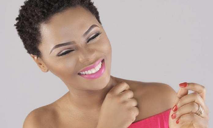 La chanteuse nigériane Chidinma annonce être désormais une chantre