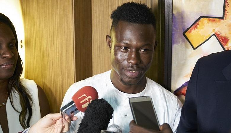 Photo of Mamoudou Gassama threaten with deportation?