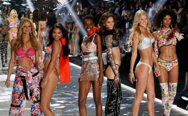 Photo of Boss Victoria's Secret Ed Razek, apologized to transgenders