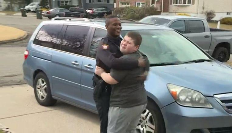 Agent rescues missing teddy bear after autistic boy calls 911