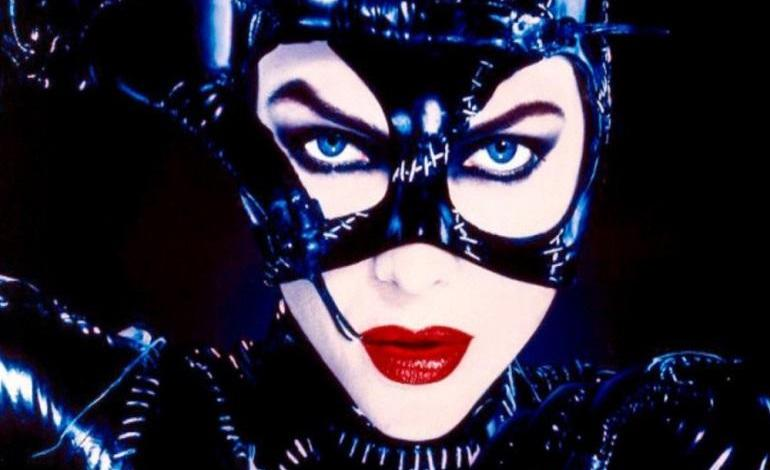 Photo of Michelle Pfeiffer brings out her 'Catwoman' whip again
