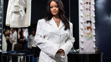 Photo of Rihanna becomes the third highest-earning artist in UK