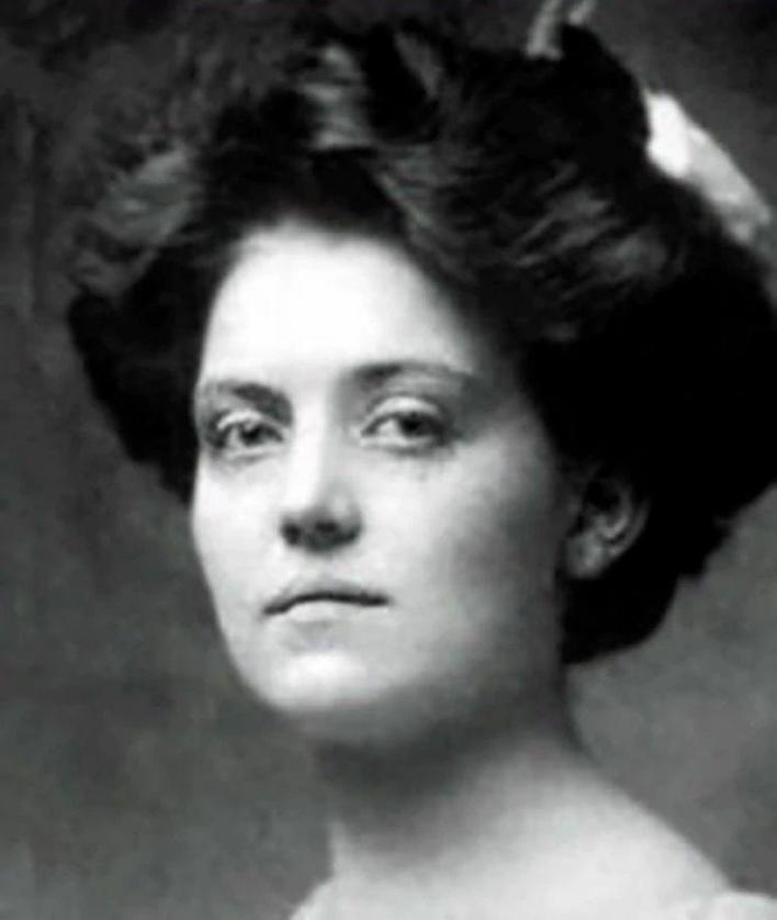 Violet Constance nurse who survived 2 famous shipwrecks