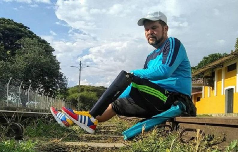 Venezuelan with one leg runs for disabled daughter throughout South America