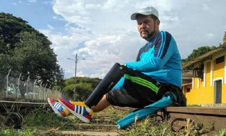 Photo of Venezuelan with one leg runs for disabled daughter throughout South America