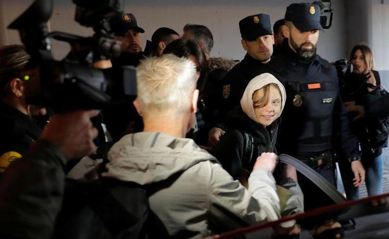 """Photo of Thunberg in Madrid: """"We can't wait any longer, people are dying"""""""