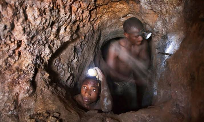 """Photo of 9 illegal miners """"stoned to death"""" by rival colleagues in South Africa"""