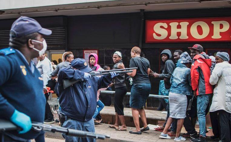 Photo of More cases of infected people: South Africa begin door-to-door test