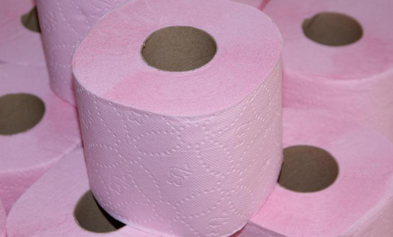Photo of Parent accidentally buys 2,300 rolls of toilet paper: everyone laughed, now they are begging for a roll