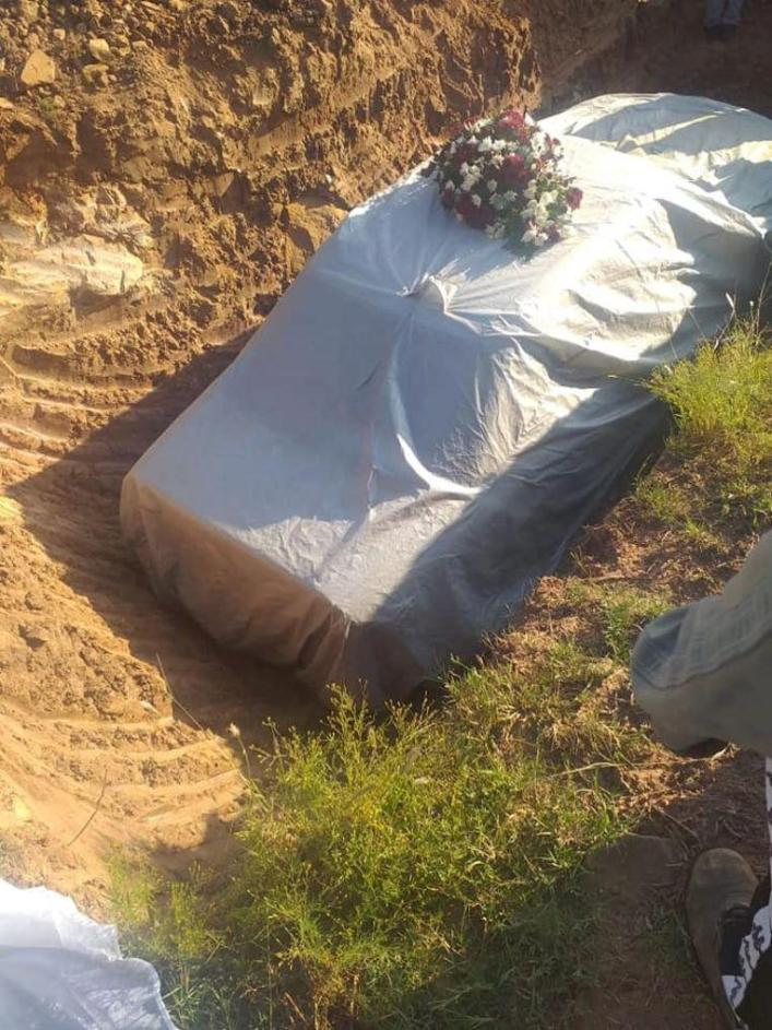 Tshekede Buffon Pitso (72), who died last month, buried in his Mercedes