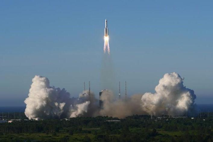 The launch of the Long Mars-5B missile