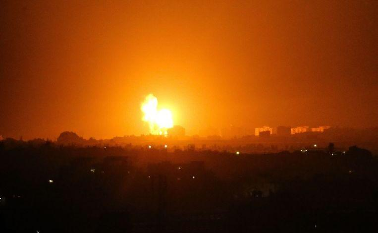 Photo of Israel again attacks targets in Gaza after fire balloon attacks