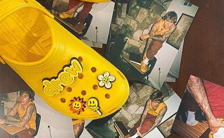 Photo of Justin Bieber releases his own Crocs, with accompanying accessories