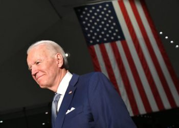 Democratic presidential hopeful former Vice President Joe Biden walks out after speaking at the National Constitution Center in Philadelphia, Pennsylvania on March 10, 2020. (Photo by Mandel NGAN / AFP)
