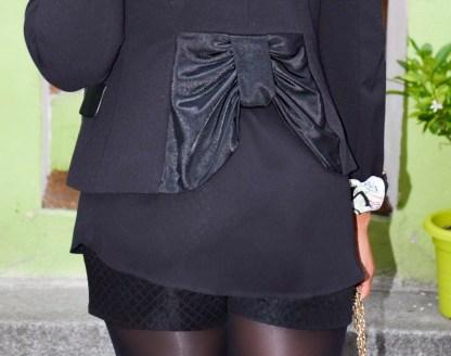 style-look-soirée-gold-and-black-en-sneakers-baskets-maje-rue-cremieux