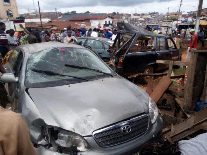 PHOTOS: Many feared dead as truck rams into cars in Edo community