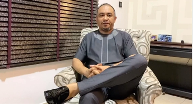 """Daddy Freeze apologizes to Bishop David Oyedepo for referring to him as a """"Bald-headed fowl"""" (video)"""