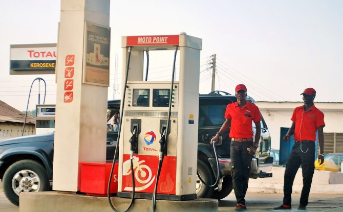 PETROL: Filling stations to add extra N10.44 per litre to FG's new price, IPMAN gives reason