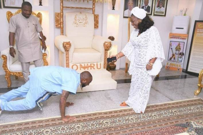 Photo: Davido pays courtesy visit to Oba Oniru in Lagos