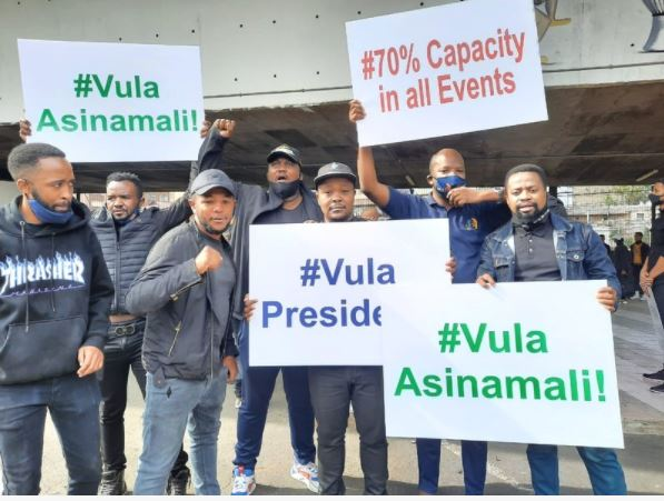 #VulaPresident: Durban artists protest on N3 Highway
