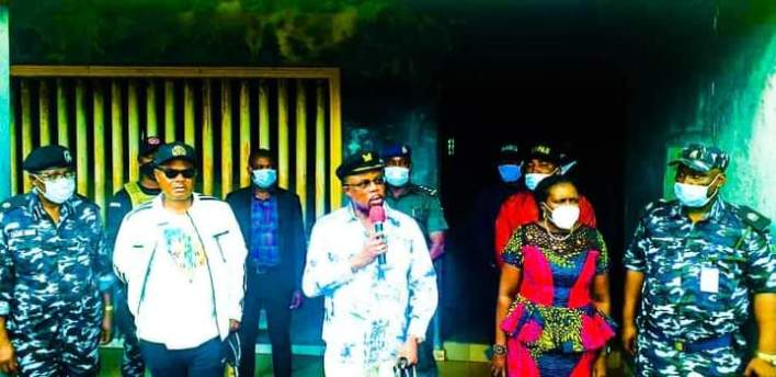 Gov Obiano visits SARS offices in Anambra, frees detainees
