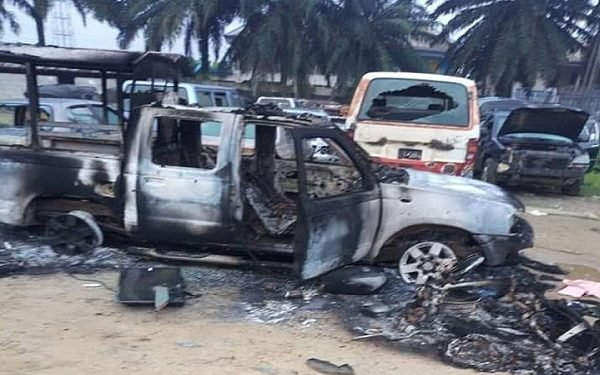 JUST IN: Hoodlums burn police station in Rivers