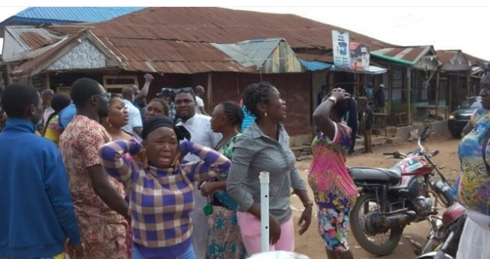 ONDO POLLS: INEC officials, voters, observers scamper for safety as gunmen invade polling unit