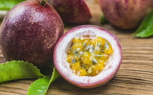 8 nutritional benefits of Passion fruits