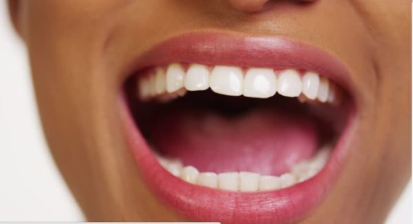 How to use baking soda to whiten yellow teeth