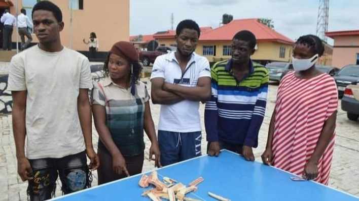 EFCC nabs two young women for attempting to smuggle hard drugs