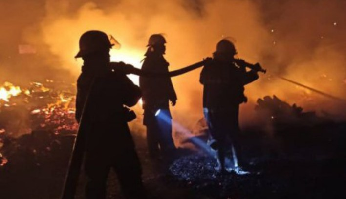 Fire guts shanties in Ebute Meta area of Lagos, displaces residents