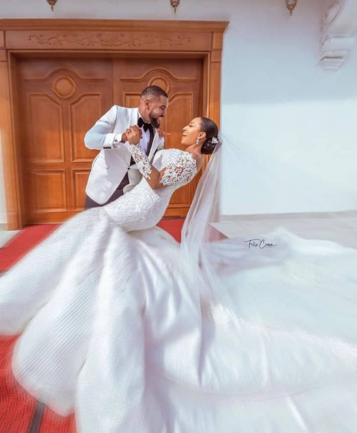 Williams Uchemba pens appreciation message as he officially releases his wedding photos