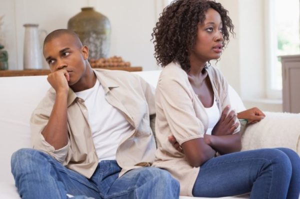 4 signs of a weak man in a relationship