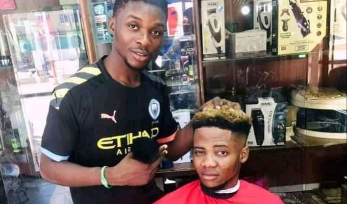 Police arrest young benue barber for blasphemy over customer's haircuts that allegedly insults Islam in Kano
