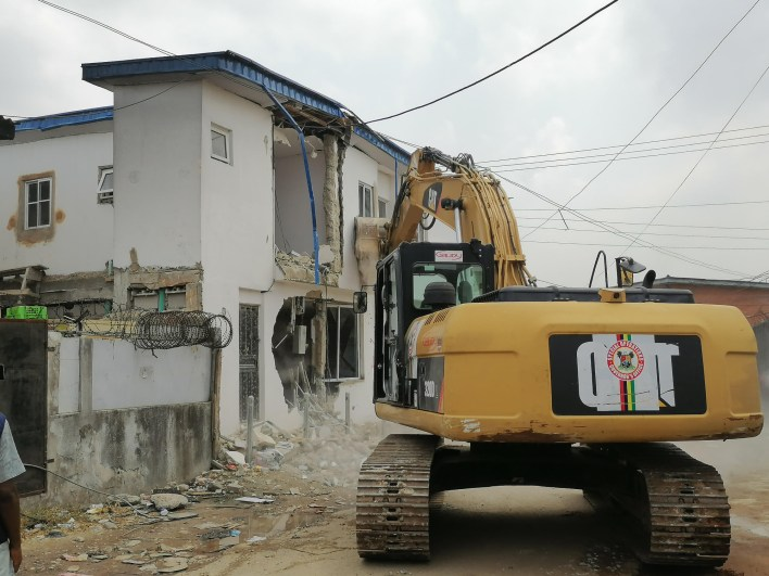 PHOTO: Lagos Gov't demolishes unapproved building at Ilupeju