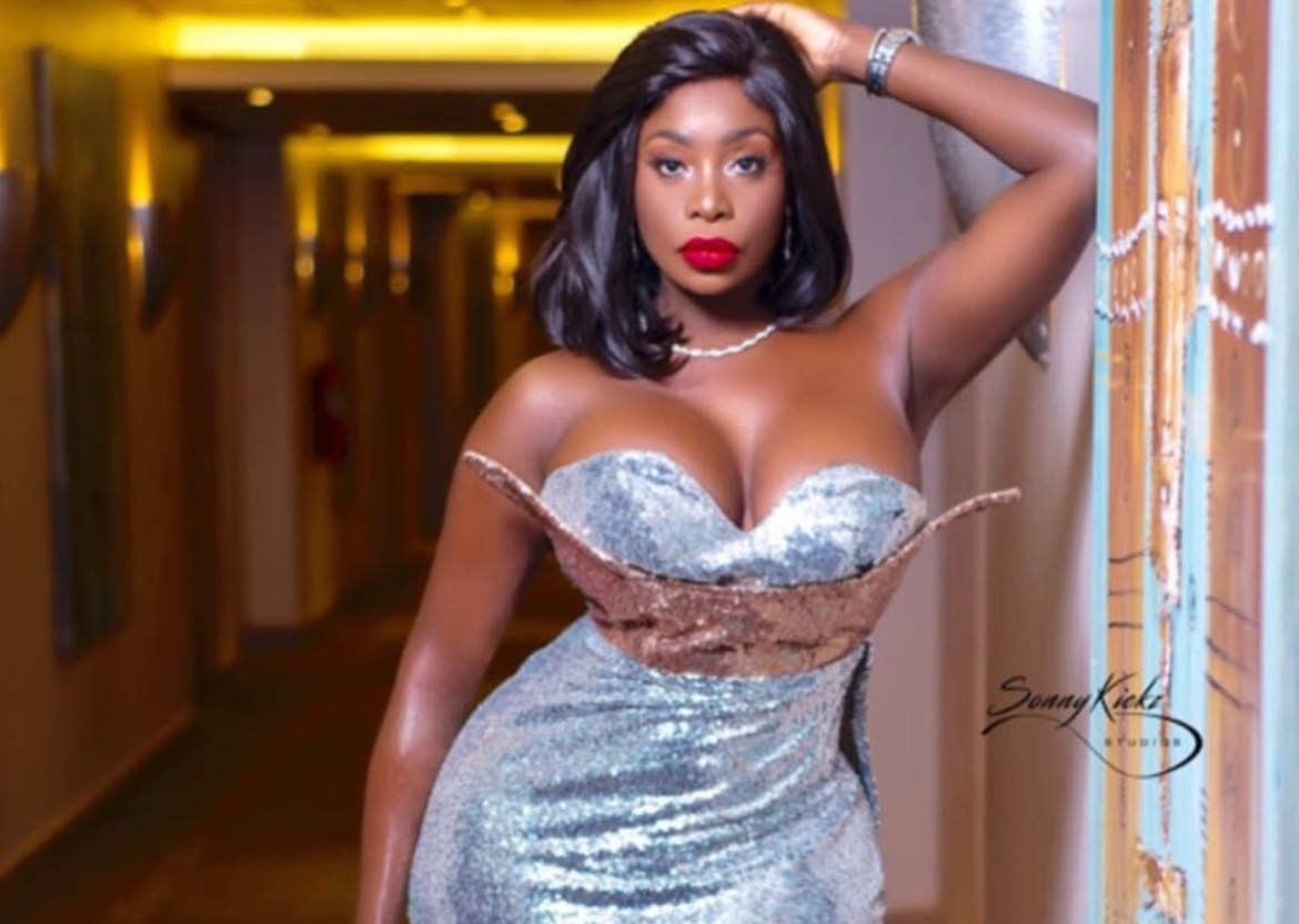 American model/stripper, Symba tells Nigerian wives what side chics do with their husbands when they travel abroad