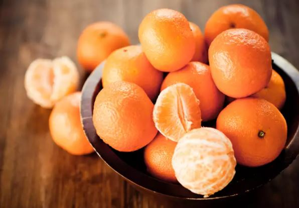8 foods that have more Vitamin C than oranges