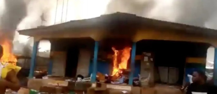 Bandits invade Benue community, kill policeman and set station ablaze