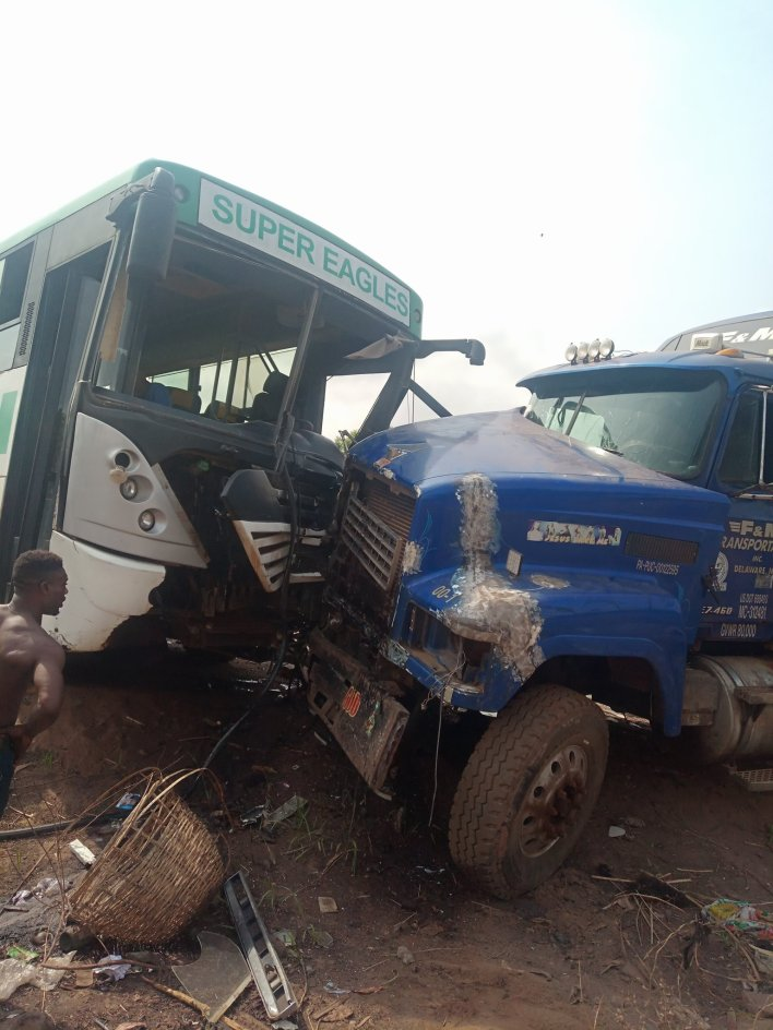 Akwa United FC survive ghastly motor accident