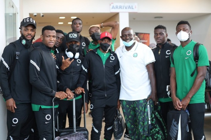 PHOTOS: Super Eagles enjoy boat cruise back to Lagos after massive win against Benin Republicup